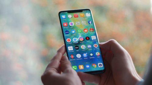 Huawei letos celosvětově dodá 200 milionů smartphonů