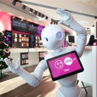 Na pobočce T-Mobile v Praze si můžete česky pokecat s robotem