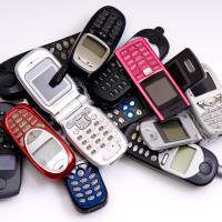 Lidé vracejí do prodejen Vodafonu čím dál méně starých mobilů