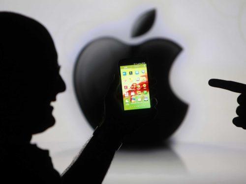 Foxconn propouštěl, kvůli nezájmu o loňské iPhony