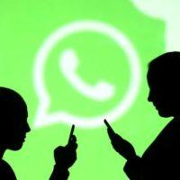 Zahnutý banán Nokia 8810 dostává oficiální aplikaci WhatsApp