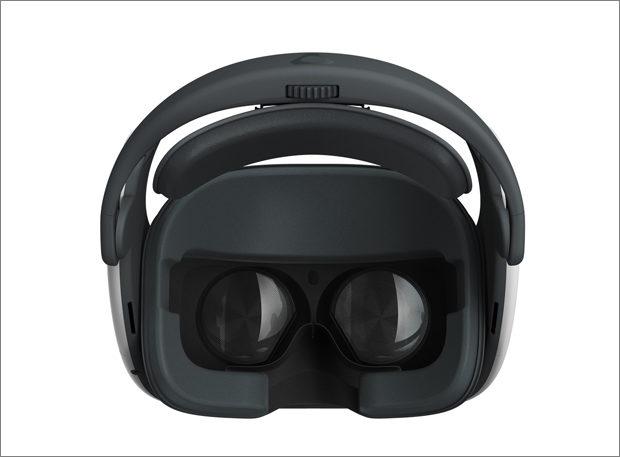 HTC odtajnilo headset Vive Focus Plus s ultrazvukovými ovladači