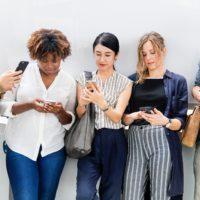 Tisíce lidí investují přes mobilní aplikaci Zonky