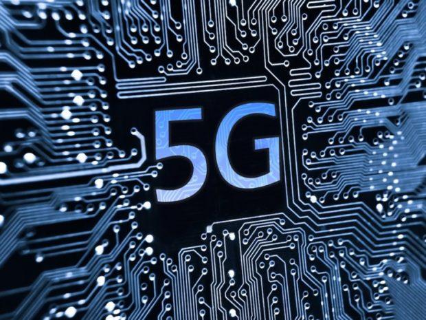 V roce 2022 proteče průměrným chytrým telefonem 11 GB dat měsíčně, tvrdí studie