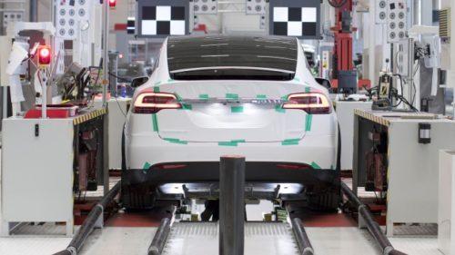 Tesla kupuje specialisty z Maxwell Technologies