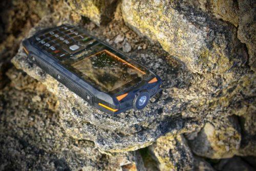 Evolveo představilo odolný tlačítkový StrongPhone Z3