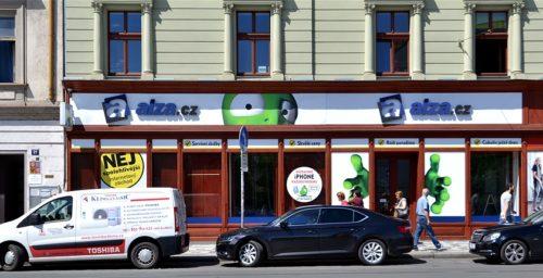 Alza.cz otevřela v Praze specializovaný mobilní showroom