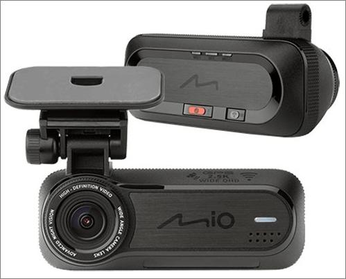 Autokamera MiVue J85 WiFi upozorní na radary i nárazy hlasem