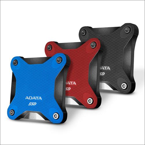Do obchodů míří přenosný SSD ADATA SD600Q