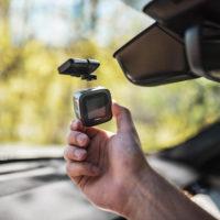 Niceboy Pilot X: prťavá kamera do auta s GPS a magnetickým držákem