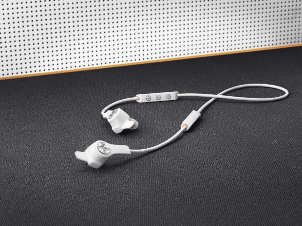 Bang & Olufsen uvádí nový sluchátka Beoplay E6 Motion a E8 Motion