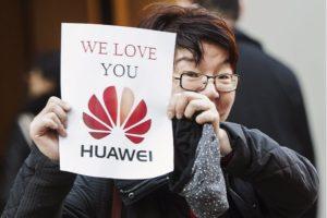 Trump: Huawei může opět nakupovat od amerických firem
