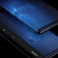Prodej ohebného mobilu od Huawei je na spadnutí, Mate X dorazí už v říjnu