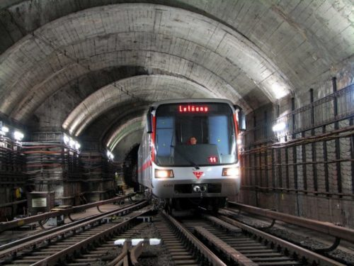 Pražské metro posiluje pokrytí signálem. Do začátku roku 2022 má být všude