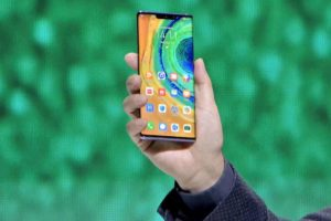 Huawei je krok před konkurencí. Skvělý Mate 30 Pro ale nekoupíte