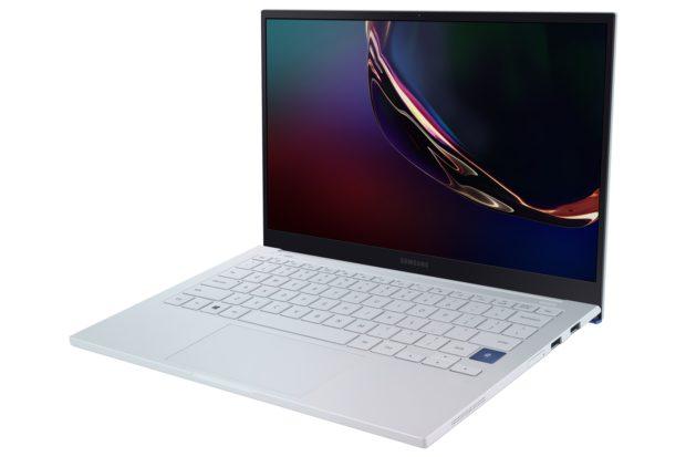 Nové notebooky Samsungu mají displeje QLED a navíc i skvěle vypadají