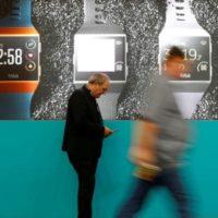 Google koupí výrobce chytrých fitness náramků a hodinek Fitbit