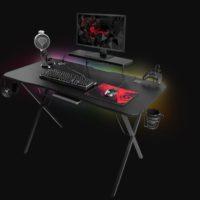 Genesis Holm 300 je herní stůl s podsvícením a mnoha dalšími funkcemi