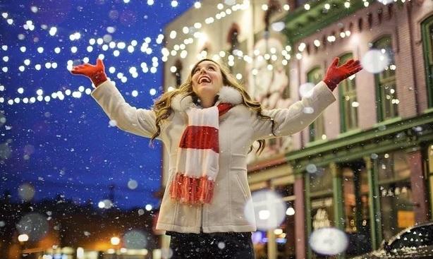 Vánoční nabídka T-Mobile. K iPhonům 11 sluchátka AirPods za 1 Kč a další slevy