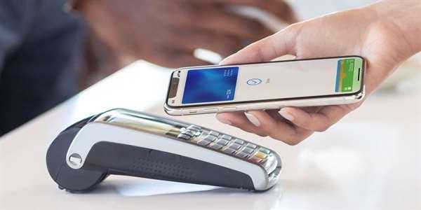 Klienti UniCredit Bank mohou ode dneška platit pomocí služby Google Pay