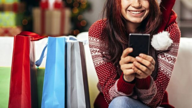 Češi i nadále s oblibou nakupují v Číně a stále častěji prostřednictvím telefonů