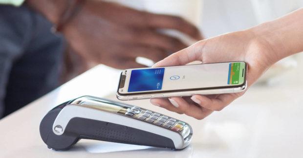 Klienti české Equa bank mohou nyní platit pomocí Apple Pay