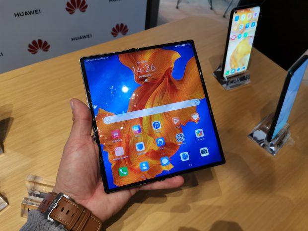 Skládací Huawei Mate Xs má českou cenu, v předprodeji bude od poloviny března
